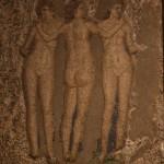 le tre grazie, pompei, casa di apollo, parete del giardino