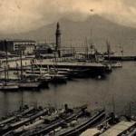 Foto antica di Napoli dal porto
