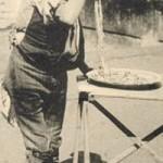 foto antica di napoli, mangiatore spaghetti